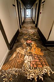 Moquette Christian Lacroix pour Ege Carpets, dans les couloirs du Motel One Paris © Motel one Paris