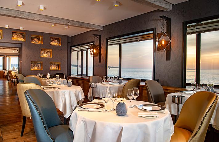 Restaurant gastronomique © C. Vallée